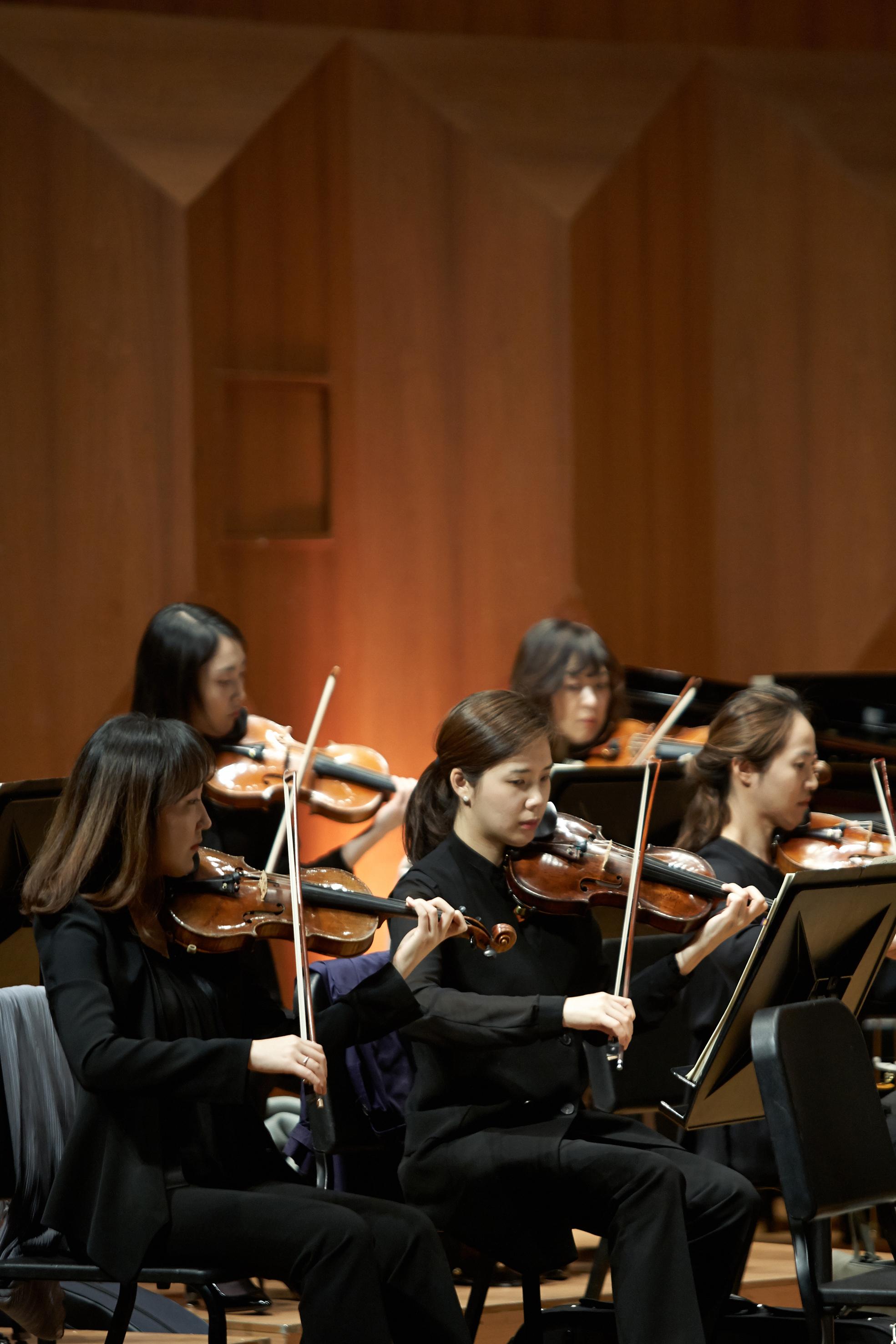 20150404 Cr sympony Gyeonggi Philharmonic 03.jpg