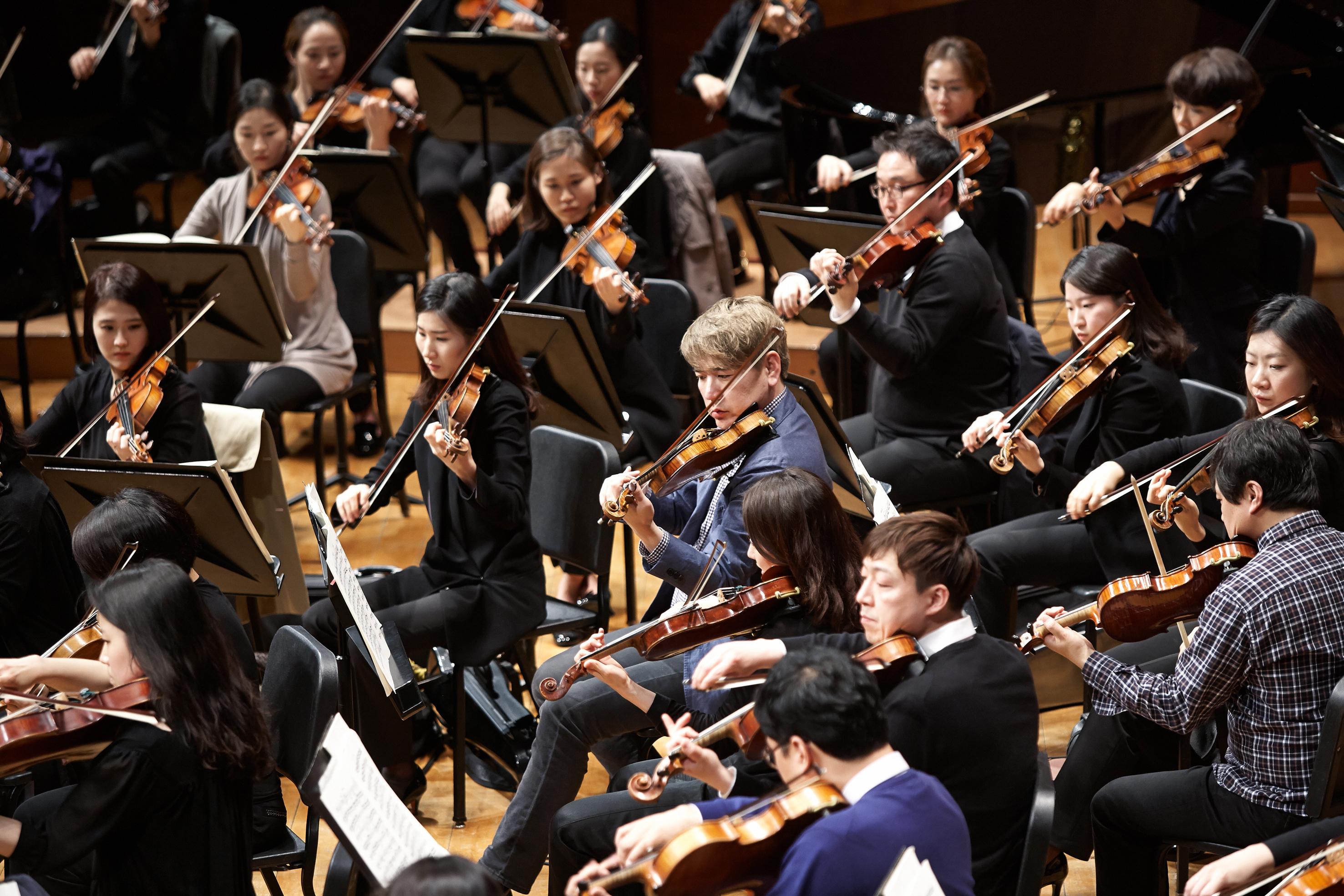 20150404 Cr sympony Gyeonggi Philharmonic 06.jpg